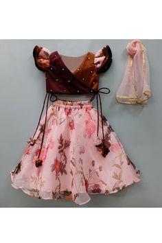 Girls Frock Design, Baby Dress Design, Kids Frocks Design, Baby Frocks Designs, Kids Party Wear Dresses, Kids Dress Wear, Kids Gown, Little Girl Dresses, Kids Lehenga