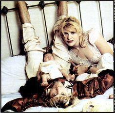"Kurt & Courtney ""Love will save US"""