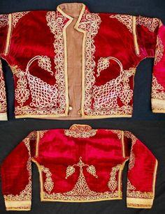 (ALBANIA?). Embroidered velvet 'cepken' (outer vest), for women. Late-Ottoman, from the Balkans (probably Albania). Ca. 1900.