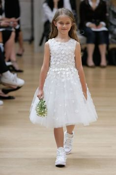 93866341d Oscar de la Renta Spring 2018 Wedding Dresses — New York Bridal Fashion  Week Runway Show