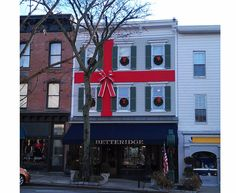 Betteridge Jewelers in downtown Greenwich, CT wrapped for the Christmas season.