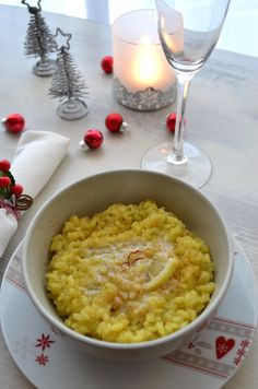 Du risotto pour Noël ? oui et au safran s'il vous plaît ! Je n'avais jamais goûté au safran avant d'être végé. Depuis que je ne mange plus de viande (et autres produits animaux), mon budget nourriture a baissé. On le sait tous, la viande, le fromage......