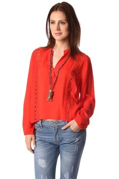 Blusa roja clásico