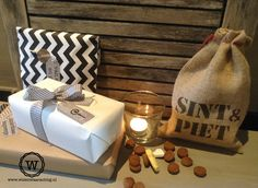 sfeerhoekje sinterklaasdecoratie met jute sint en piet zakje. #sinterklaas #decoratie