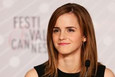 More Pics of Emma Watson Medium Straight Cut