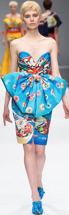 Moschino Fall 2014 Ready-to-Wear Fashion Show