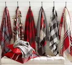 Nothing creates quite the same cozy atmosphere as a Perfectly Plaid Christmas. Enjoy these 25 inspiring Plaid Christmas images and sources. Plaid Christmas, Christmas Pictures, Christmas Wreaths, Christmas Decorations, Christmas Ideas, Christmas Quotes, Christmas Time, Christmas Nails, Christmas Crafts