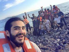 terre Yilmaz in Grecia dopo aver lasciato la Turchia in barca.  Foto di Yilmaz Ibrahim Basha