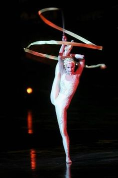 Cirque du Soleil Contortionist From 'Alegria'