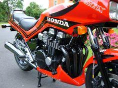 Honda CBX 750 FE, coloris R110, 1987