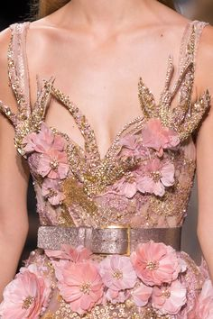 Elie Saab at Couture Fall 2016 (Details)                                                                                                                                                                                 More