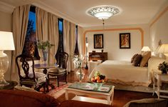 Peaceful double room with a view of the lush Casanova gardens and vineyard
