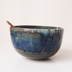 Hand thrown deep bowl with beautiful dark blue glaze. Made by ceramic artist Joanna Tang.The color and texture in the glaze is amazing and there are so much randomness in the beauty! I think this bowl is perfect for serving Japanese ramen.15cm diameter9.5cm heightonly one bowl is available.