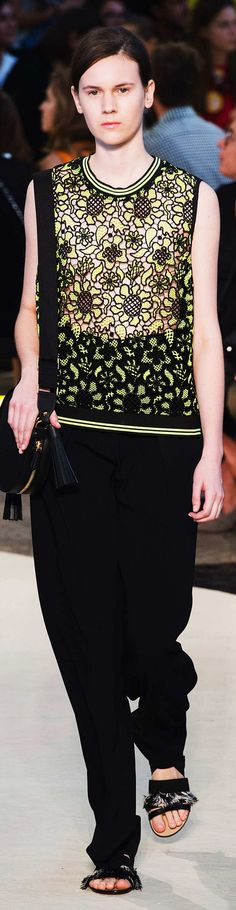 MSGM Collection Collection  Spring 2015 Simply Fashion, Trendy Fashion, High Fashion, Women's Fashion, Fashion Design, Fashion Week 2015, Crochet Tops, Modern Fabric, Spring Summer 2015