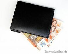 Geldscheine, Geld, Euro - freestockgallery.de Money, Business, Free Images, Silver, Store, Business Illustration