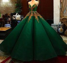 Vert et or Dark Green Prom Dresses, Formal Dresses, Ball Gown Dresses, Evening Dresses, Pretty Dresses, Beautiful Dresses, Quinceanera Dresses, Fantasy Dress, Dream Dress