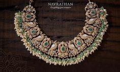 Emerald Jewelry, Diamond Jewellery, Gold Jewelry, Jewelery, Jewelry Necklaces, Long Dress Design, Trendy Jewelry, Indian Jewelry, Crochet Necklace