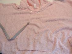 Schrägband annähen Sweatshirts, Sweaters, Fashion, Baby Sewing, Fabrics, Bathing, Tutorials, Moda, Fashion Styles