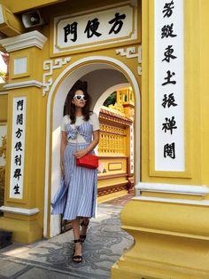 Andy Torres explores Hanoi with style. Holiday Fashion, Autumn Fashion, Holiday Style, Cooler Stil, Style Scrapbook, Vietnam Travel, Fashion Addict, Fashion Bloggers, Stylish Girl