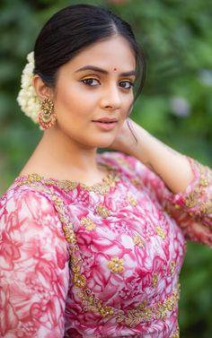 Indian Actress Photos, Bollywood Actress Hot Photos, Beautiful Bollywood Actress, Most Beautiful Indian Actress, Beautiful Actresses, Tamil Actress, Beautiful Girl In India, Beautiful Girl Image, Beautiful Asian Girls
