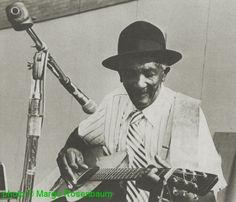 Willie Guy Rainey at the Georgia Grassroots Music Festival; source: Blues Unlimited 131/132, 1978, p. 36; photographer: Margo Rosenbaum