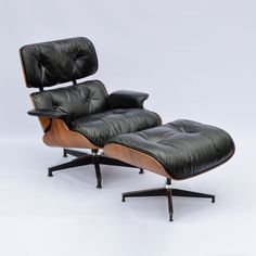 For sale: Generation Eames Lounge Chair + Ottoman with new down inlays - Interior - Chair Design Lounge Design, Chair Design, Furniture Design, Wicker Dining Chairs, Living Room Chairs, Lounge Chairs, Eames Chairs, Office Chairs, Chair And Ottoman