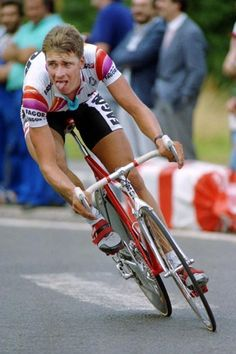 Sean Yates on his way to winning stage 6 of the 1988 Tour de France.