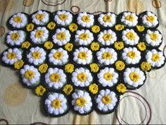 Meladoras Creation Crocheted Daisy Rug - Free Crochet Pattern - Meladoras Creation