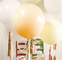 Party Must-Have: The Giant Round Balloons Decorated by Geronimo Balloons