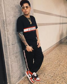 "De La Ghetto ""De La Geezy"" on Instagram: ""Dimelo #Medellin Ya Llegamos!! #Caliente #🔥"" Hair Care Recipes, Sporty, Makeup, Instagram, Food, Style, Fashion, Castle, Towers"