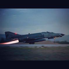#f4e #phobulousphantom #phantom #afterburner #takeoff #plane #instagramaviation #instaaviation #turkhavakuvvetleri #turkishairforce #111filo #panterler