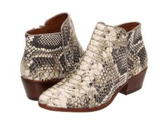 Sam Edelman Petty. Yes. This Fall is the Autumn of snakeprint for me. It is decided. #samedelman #booties
