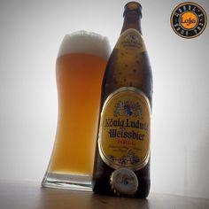 König Ludwig Weissbier Hell  ___ Hoje é dia de #Weissdaynaconfraria27 !! Abra a sua e compartilhe com a gente!  #weiss #bebalocal #bebomelhor #lajehomepub #cerveza #confraria27 #beergram #pornbeer #cervejadeverdade #craftbeerporn #beer #beeroftheday