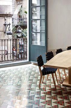 Carrer Avinyó, Barcelona   David Kohn Architects