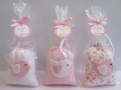 Felt Crafts, Diy And Crafts, Baptism Party Favors, Safari Theme Party, Scented Sachets, Baby Shawer, Lavender Bags, Felt Birds, Welcome Baby