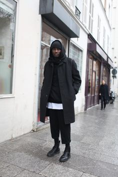 """cocaine-nd-caviar: """" death-de-dior: """" They Are Wearing: Paris Men's Fashion Week Fall 2014 """" Dope Streetwear Posts Daily Here """" Streetwear Mode, Streetwear Fashion, Mens Fashion Week, Winter Fashion, Stylish Men, Men Casual, Minimalist Outfit, Mode Man, Street Looks"""