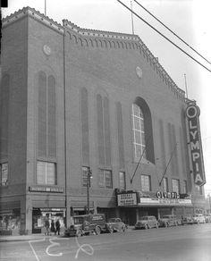 Olympia Stadium - Old photos — Historic Detroit Detroit Rock City, Detroit Sports, Detroit Area, Detroit News, Olympia Stadium, Detroit History, Flint Michigan, Basketball Photos, Detroit Free Press