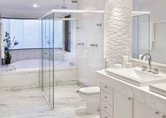 Dois chuveiros de teto + banheira