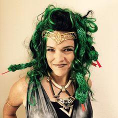 Finger Knit Medusa Snakes | Vickie Howell
