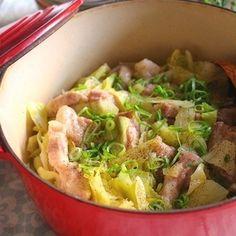 豚肉の塊肉をキャベツと一緒に塩だれで蒸しました。 とろっと柔らかく美味しさ凝縮!って感じ! ほぼキャベツが持つ水分だけで蒸してます。 キャベツの甘みと豚肉の脂がよく絡んで 食べ応えのある味。 ...