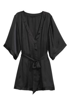 Satin kimono: Kimono in airy satin with a concealed tie at the waist and sewn-on tie belt.