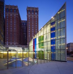 glass panels designed by Robert Mangold are installed in the federal courthouse pavilion lobby