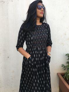 Churidar Neck Designs for Cotton Materials Model Catalogue Salwar Neck Designs, Kurta Neck Design, Kurta Designs Women, Dress Neck Designs, Designer Kurtis, Designer Dresses, Designer Wear, Kalamkari Dresses, Ikkat Dresses
