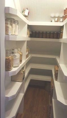 Trendy under stairs storage pantry decor 21 Ideas Under Basement Stairs, Closet Under Stairs, Space Under Stairs, Under Stairs Cupboard, Under Stairs Pantry Ideas, Under The Stairs, Kitchen Pantry Design, Tidy Kitchen, Kitchen Cupboards