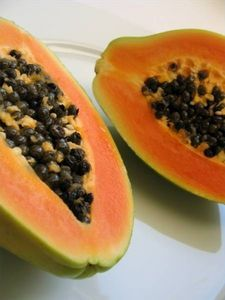 How to Use Papaya in Treating Gout Disease… – Trick to a Gout-Free Life. Arthritis Treatment, Foods That Cause Gout, Gout Prevention, Gout Recipes, How To Cure Gout, Gout Diet, Arthritis Remedies, Uric Acid