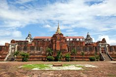 Ayutthaya was founded in 1350 by King U-Thong. It was the capital of Thailand for 417 year - today forgotten and neglected monument.