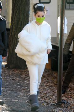 Nyc In December, Selena Gomez Style, Fur Coat, Street Style, Jackets, Fashion, Down Jackets, Moda, Urban Style