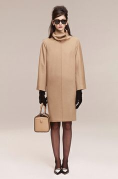 trying to recreate the holly golightly look from breafast at tiffany's...beige coat, 60s style