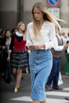 The Street Style at Milan Fashion Week May Be the Best Yet: With two cities under their belts, the style set arrived in Milan looking ready to conquer another Fashion Week. Milan Fashion Week Street Style, Milan Fashion Weeks, Spring Street Style, Denim Fashion, Star Fashion, Fashion Outfits, Fashion Fashion, Denim Skirt Outfits, Classic White Shirt