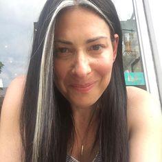 59 New Ideas Hair Color Grey Streaks Silver Foxes White Streak In Hair, White Hair Highlights, Dark Hair, Blue Hair, Gray Streaks, Hair Color Streaks, Hair Color And Cut, Hair Inspo, Hair Inspiration